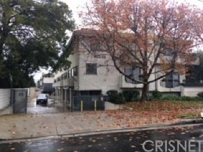 Chatsworth Condo/Townhouse For Sale: 10234 Variel Avenue #17