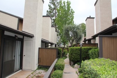 Canyon Country Condo/Townhouse For Sale: 18223 Soledad Canyon Road #37