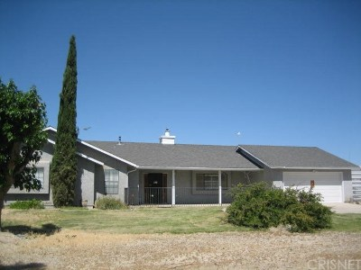 Rosamond Single Family Home For Sale: 301 72nd Street West