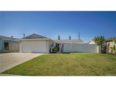 Woodland Hills Single Family Home For Sale: 23909 Sylvan Street