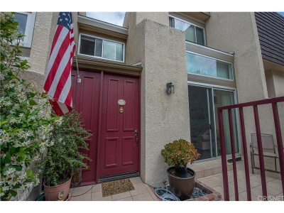 Chatsworth Condo/Townhouse For Sale: 9950 Topanga Canyon Boulevard #86