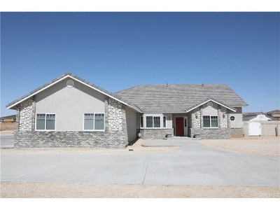 Lancaster Single Family Home Active Under Contract: 43928 Appaloosa Drive