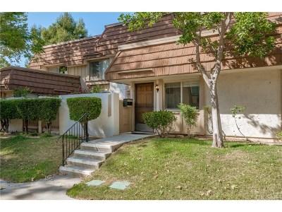 Chatsworth Condo/Townhouse For Sale: 10120 Larwin Avenue #3