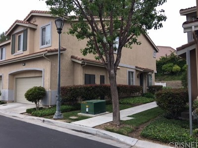 Saugus Condo/Townhouse For Sale: 25419 Calcutta Pass Lane