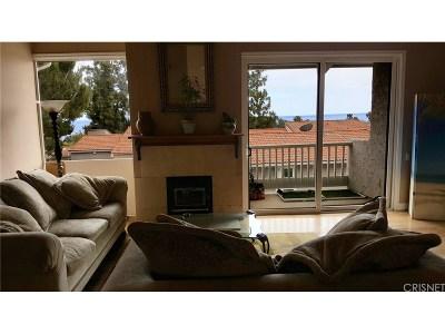 Los Angeles County Condo/Townhouse For Sale: 28230 Rey De Copas Lane