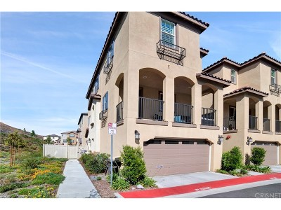 Saugus Condo/Townhouse For Sale: 22159 Barrington Way