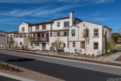 Camarillo Condo/Townhouse For Sale: 395 Townsite Promenade