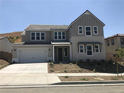 Canyon Country Single Family Home For Sale: 25141 Cypress Bluff Dr.