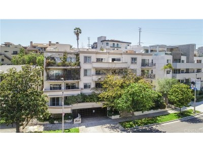 Los Angeles Condo/Townhouse For Sale: 1825 South Beverly Glen Boulevard #207