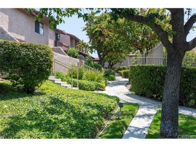 Simi Valley Condo/Townhouse For Sale: 2436 Chandler Avenue #2