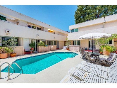 Encino Condo/Townhouse For Sale: 5144 Zelzah Avenue #5