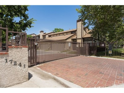 Northridge Condo/Townhouse For Sale: 17241 Roscoe Boulevard #5