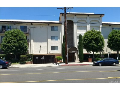 Condo/Townhouse For Sale: 12801 Moorpark Street #212