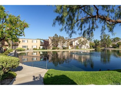 Valencia Condo/Townhouse For Sale: 24434 Nicklaus Drive #M6