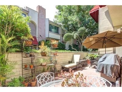 Encino Condo/Townhouse For Sale: 5225 White Oak Avenue #9
