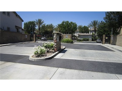 Saugus Condo/Townhouse For Sale: 25401 Quail Creek Court