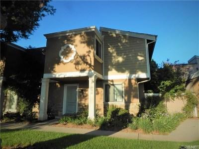 Granada Hills Condo/Townhouse For Sale: 10720 Woodley Avenue #6