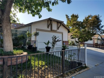 Palmdale Single Family Home For Sale: 37635 Melton Avenue