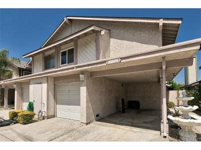 Newhall Condo/Townhouse For Sale: 25229 Avenida Dorena