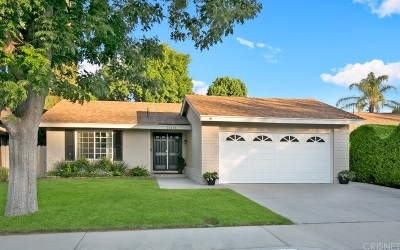 Newhall Single Family Home For Sale: 24418 Lisa Kelton Place