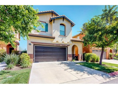 Canyon Country Condo/Townhouse For Sale: 27655 Timber View Court