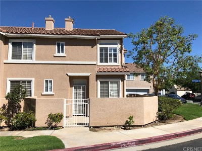 Stevenson Ranch Condo/Townhouse For Sale: 25730 Perlman Place #D