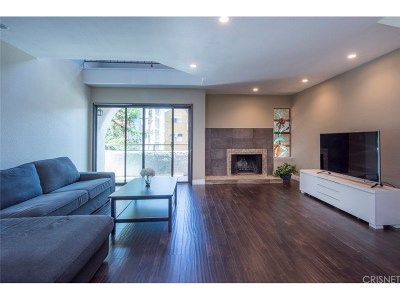 Studio City Condo/Townhouse For Sale: 10926 Bluffside Drive #3