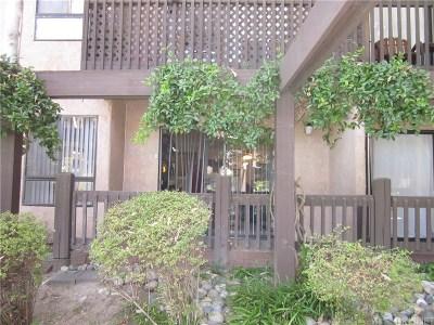 Woodland Hills Condo/Townhouse For Sale: 22100 Burbank Boulevard #114B