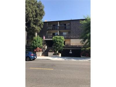 Glendale Condo/Townhouse For Sale: 365 Burchett Street #117