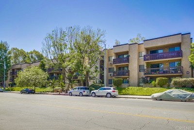 Woodland Hills Condo/Townhouse For Sale: 22100 Burbank Boulevard #152F