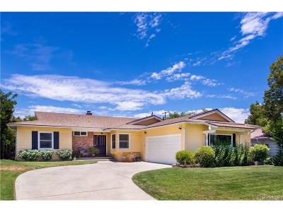 Woodland Hills Single Family Home For Sale: 23839 Oxnard Street