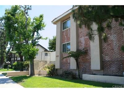 Chatsworth Condo/Townhouse For Sale: 10155 De Soto Avenue #109