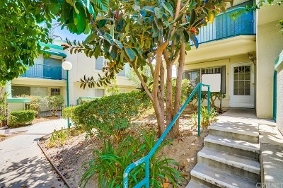 Northridge Condo/Townhouse For Sale: 18530 Mayall Street #H