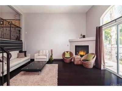 Northridge Condo/Townhouse For Sale: 18314 Rayen Street