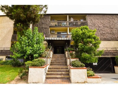 Glendale Condo/Townhouse For Sale: 365 Burchett Street #303