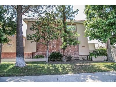 Chatsworth Condo/Townhouse For Sale: 10159 De Soto Avenue #211