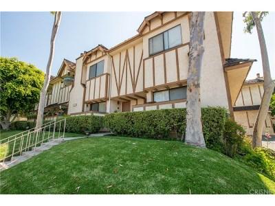 Northridge Condo/Townhouse For Sale: 10338 Zelzah Avenue #2