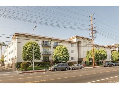 Studio City Condo/Townhouse For Sale: 12801 Moorpark Street #102