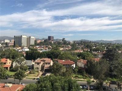 Los Angeles County Condo/Townhouse For Sale: 10751 Wilshire Boulevard #1008