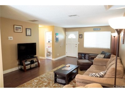 Northridge Condo/Townhouse For Sale: 17045 Roscoe Boulevard #17
