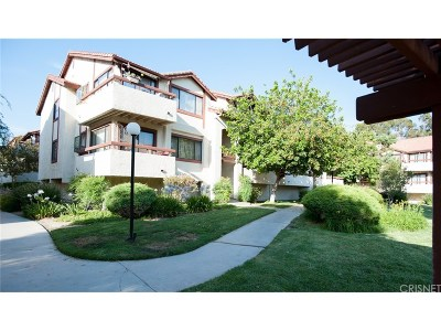 Canyon Country Condo/Townhouse For Sale: 18008 Saratoga Way #518