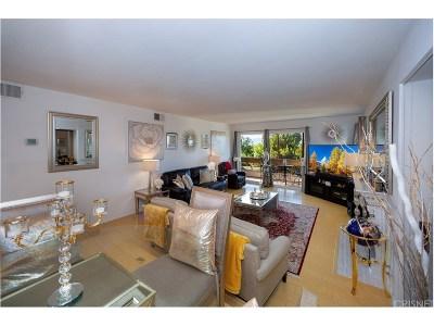 Encino Condo/Townhouse For Sale: 17140 Burbank Boulevard #208