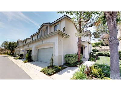 Saugus Condo/Townhouse For Sale: 25411 Calcutta Pass Lane