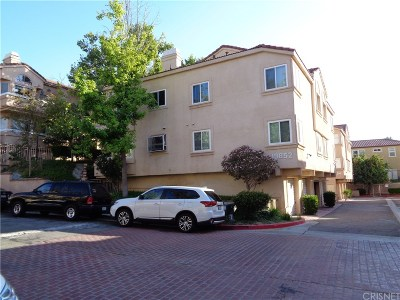 Newhall Condo/Townhouse For Sale: 19852 Sandpiper Place #96
