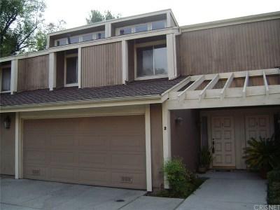Northridge Condo/Townhouse For Sale: 18170 Andrea Circle South #2
