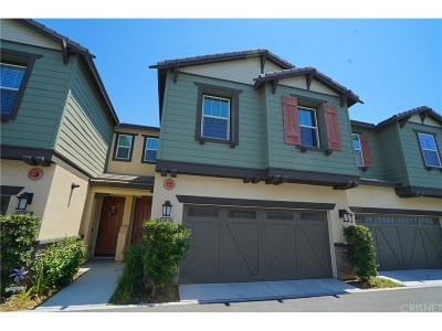 Saugus Condo/Townhouse For Sale: 22052 Barrington Way