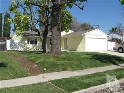 Simi Valley Single Family Home For Sale: 2639 Angela Street