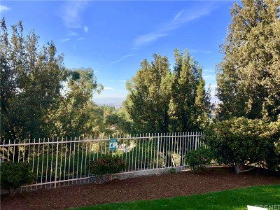 Newhall Condo/Townhouse For Sale: 19859 Sandpiper Place #113