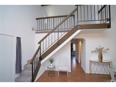 Canyon Country Condo/Townhouse For Sale: 27944 Tyler Lane #446