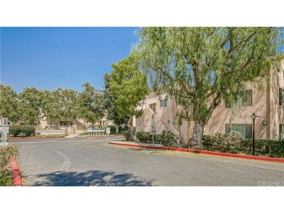 Los Angeles County Condo/Townhouse For Sale: 21314 Nandina Lane #204